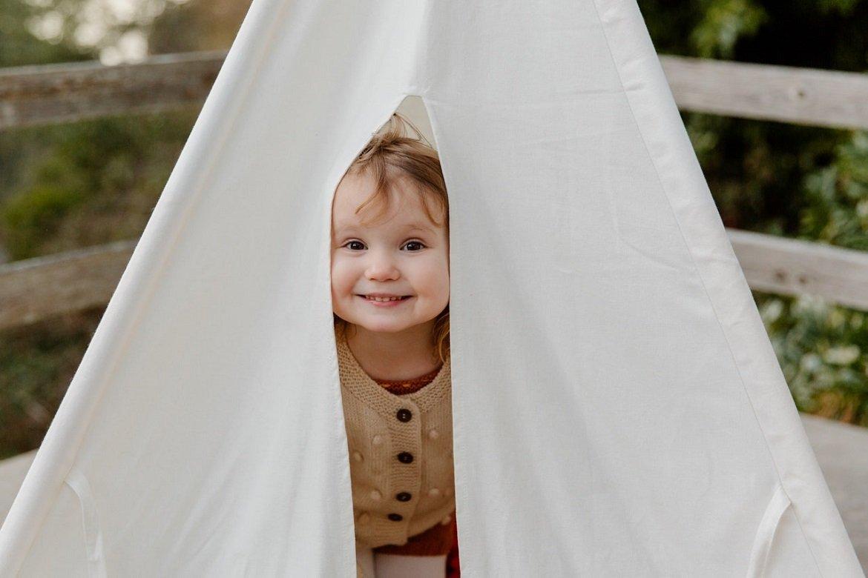 curious-little-child-Tatiana Syrikova