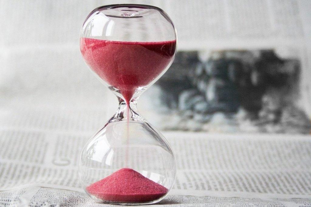 hourglass- nile pixabay