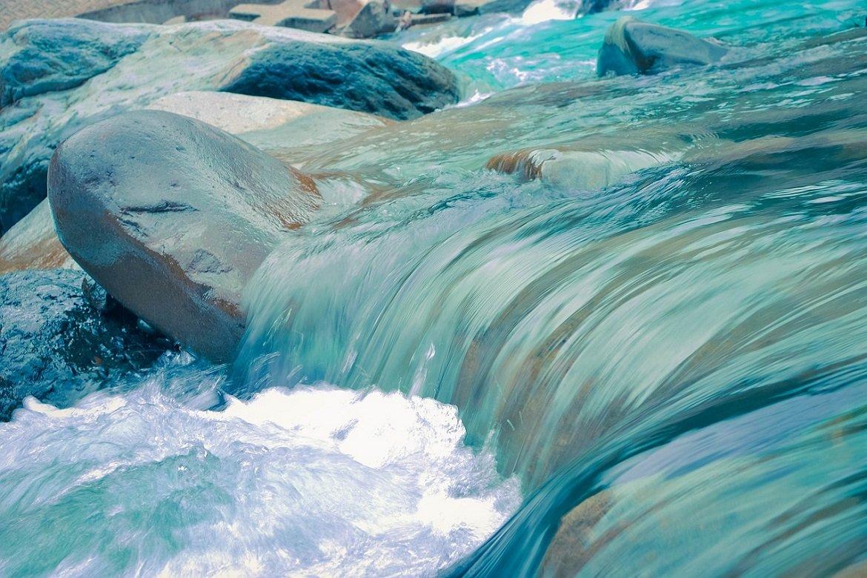 La-vie-n-est-pas-un-long-fleuve-tranquille-Enjoy-your-journey